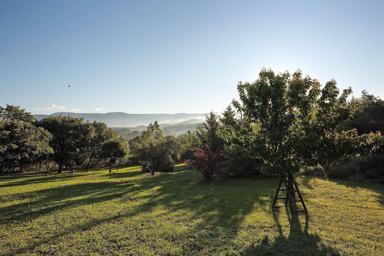 Belle maison traditionnelle avec vue en Provence