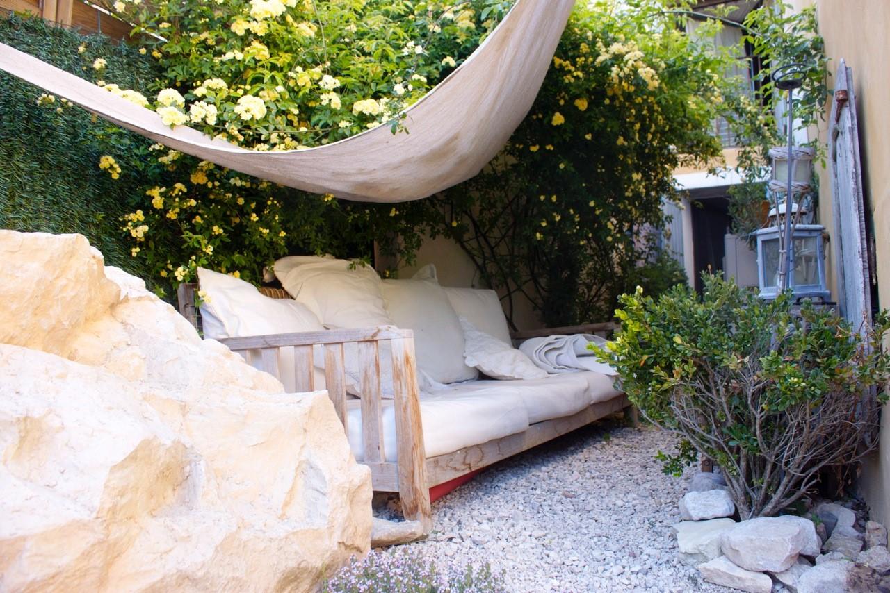 Maison de hameau à vendre dans le Luberon avec petite piscine