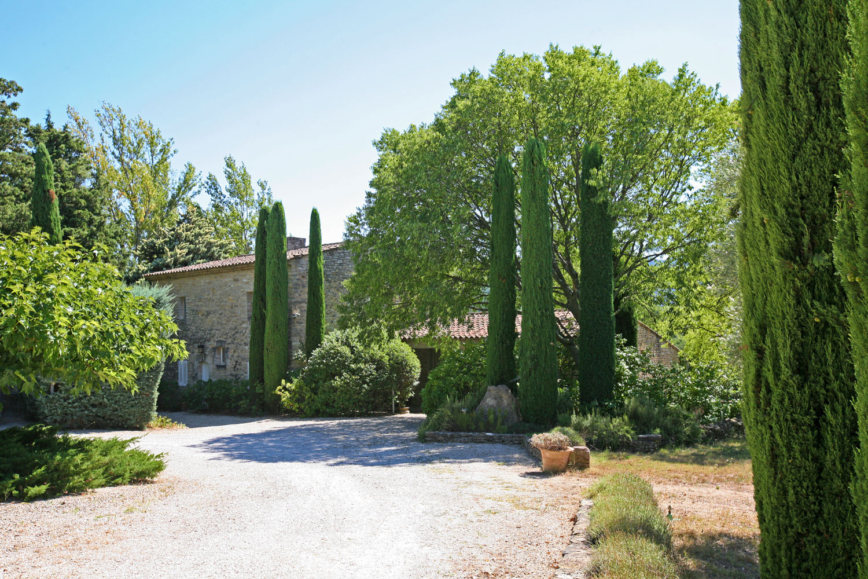 En vente en Luberon,  maison d'architecte dans un parc de 9 hectares