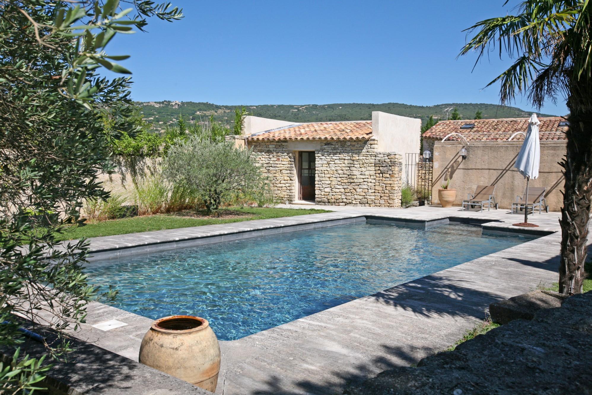 Maison de plain pied avec piscine à vendre en Provence