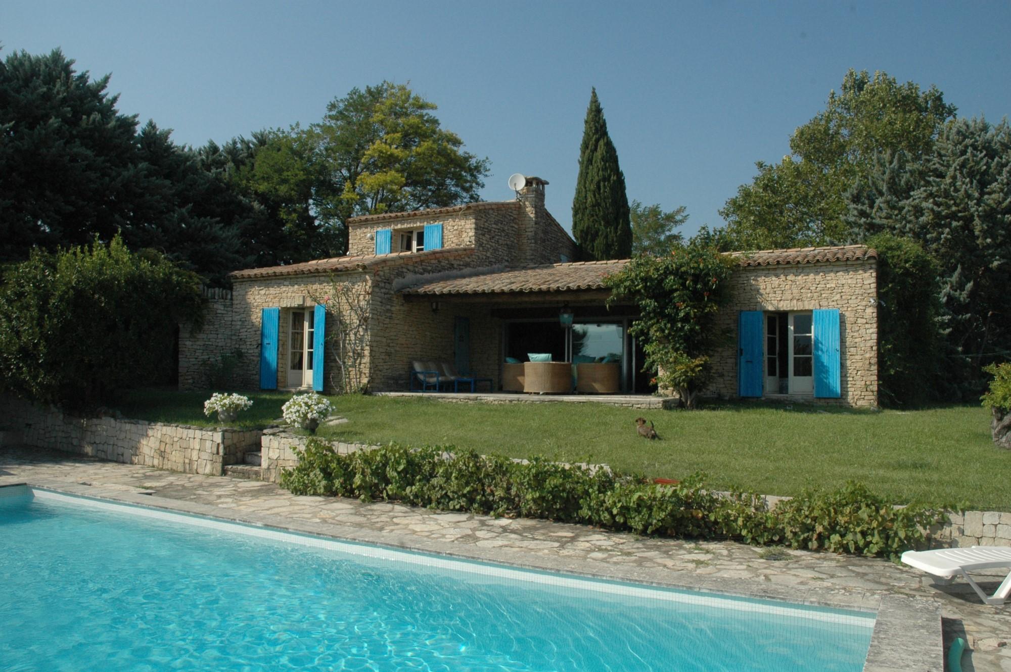 Ventes villa en pierres dans le luberon avec jardin piscine et vues vendre agence rosier - Jardin avec piscine ...