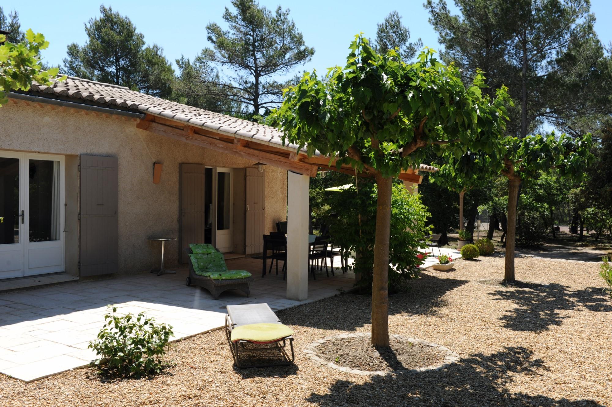 A vendre,   en Luberon, maison traditionnelle de plain-pied, sur 6 000 m² de terrain