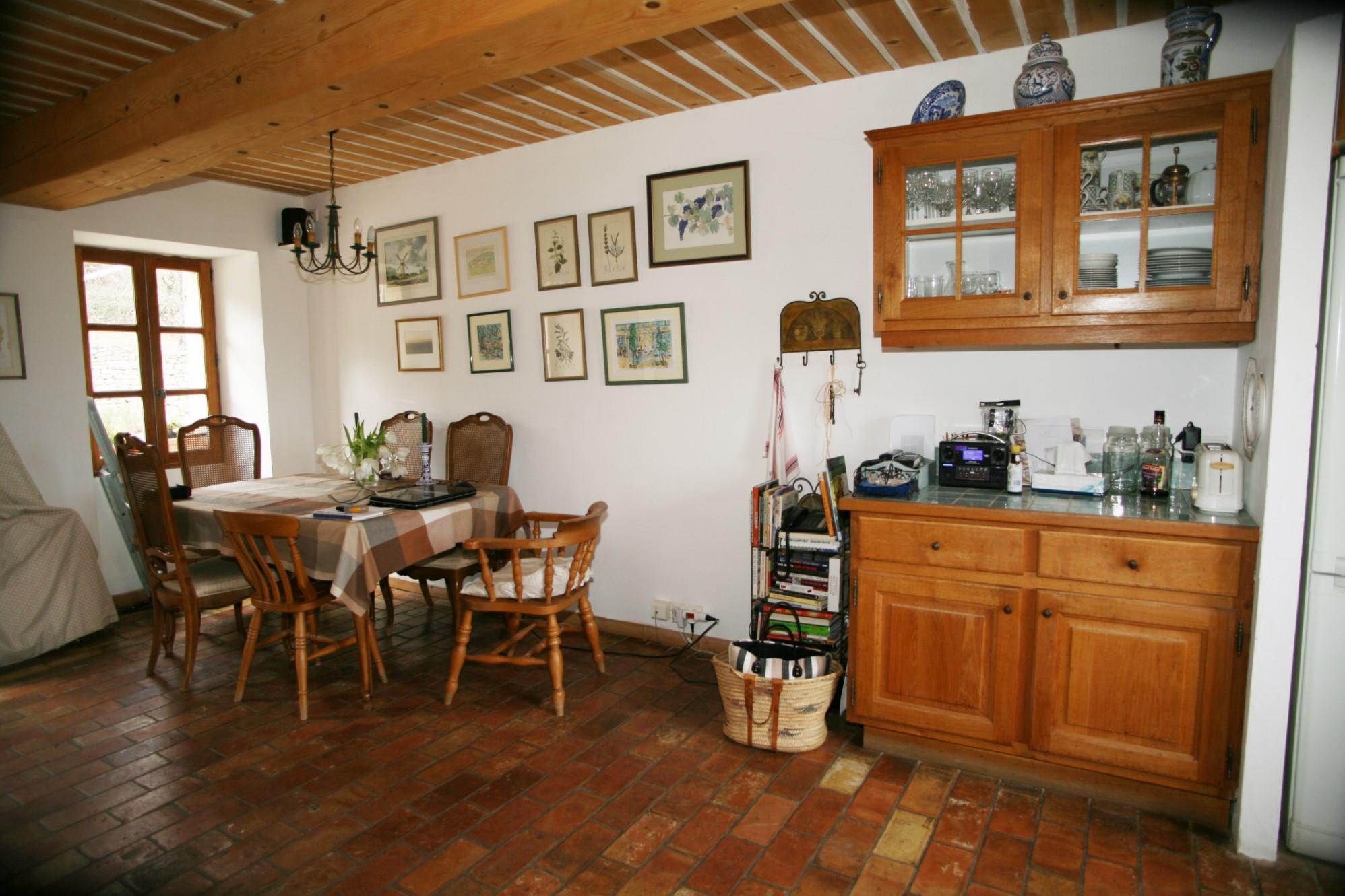 A vendre en Luberon à Gordes,  authentique mas provençal en pierres avec vues dominantes