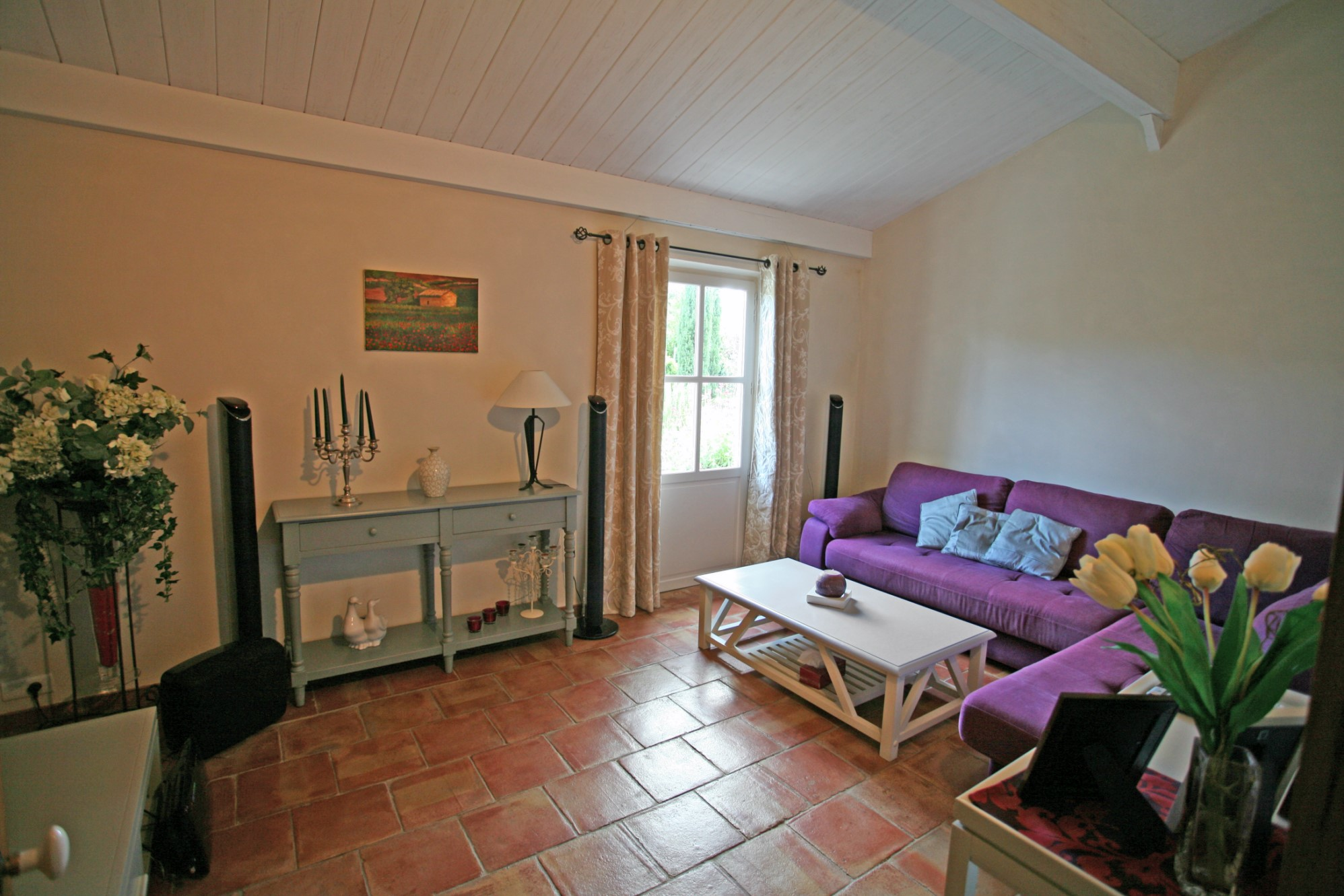 En vente en Luberon,  charmante maison avec 5 chambres,  un jardin paysager et une piscine