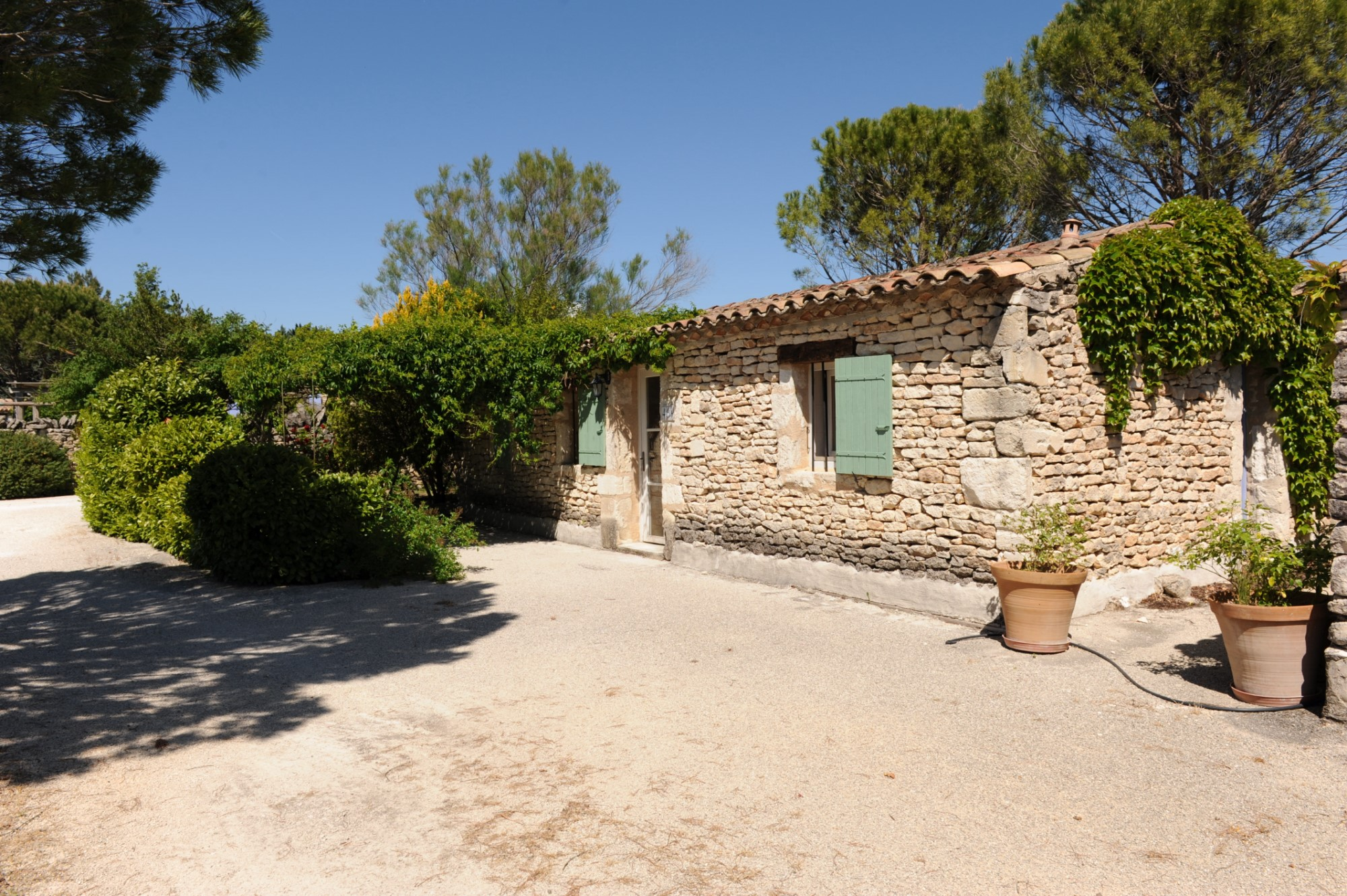 Stone house for sale in Provence