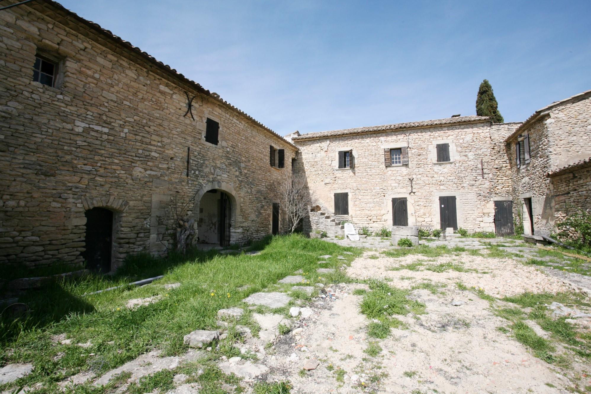 Ventes luberon vendre ancienne ferme en pierres sur 3 500 m avec vue ag - Vieille ferme a vendre ...