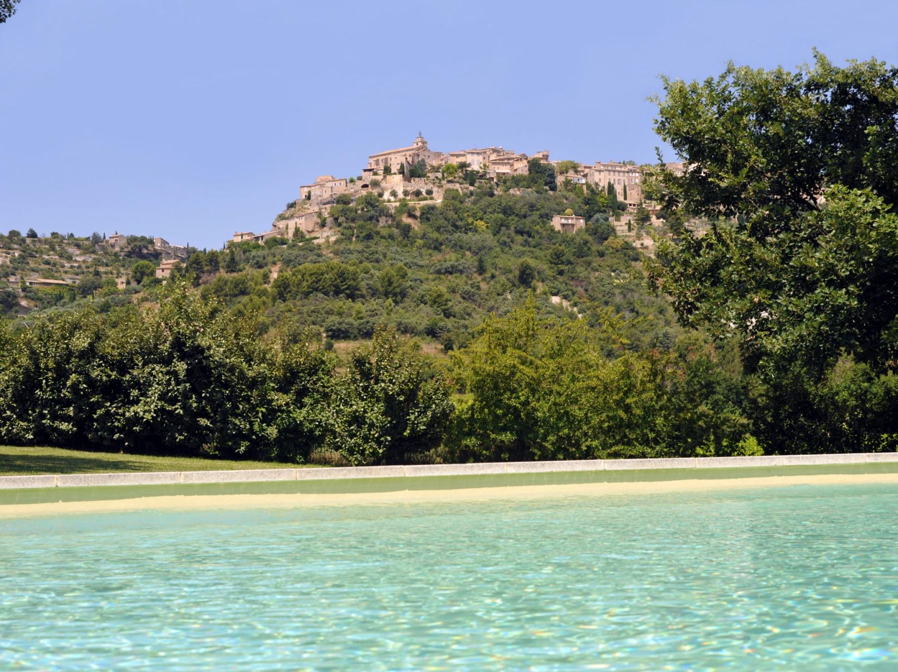 Luberon, à vendre, belle bastide en pierres avec piscine et vue imprenable