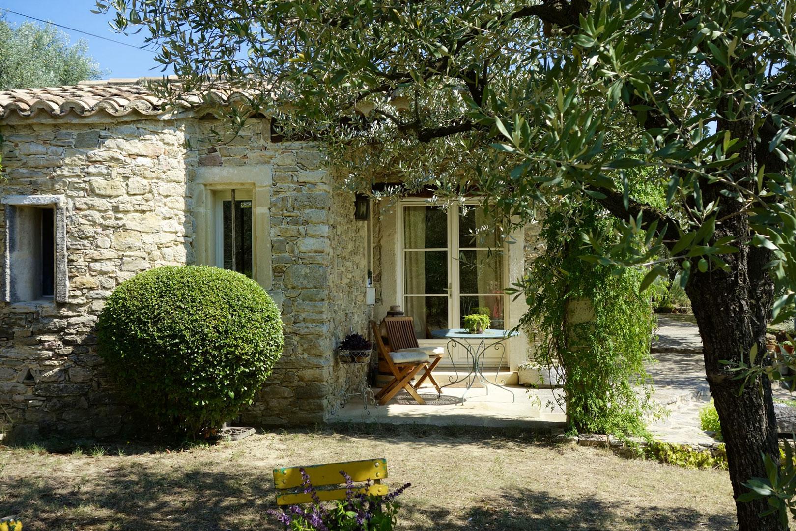 Propriété en pierres à vendre en Provence