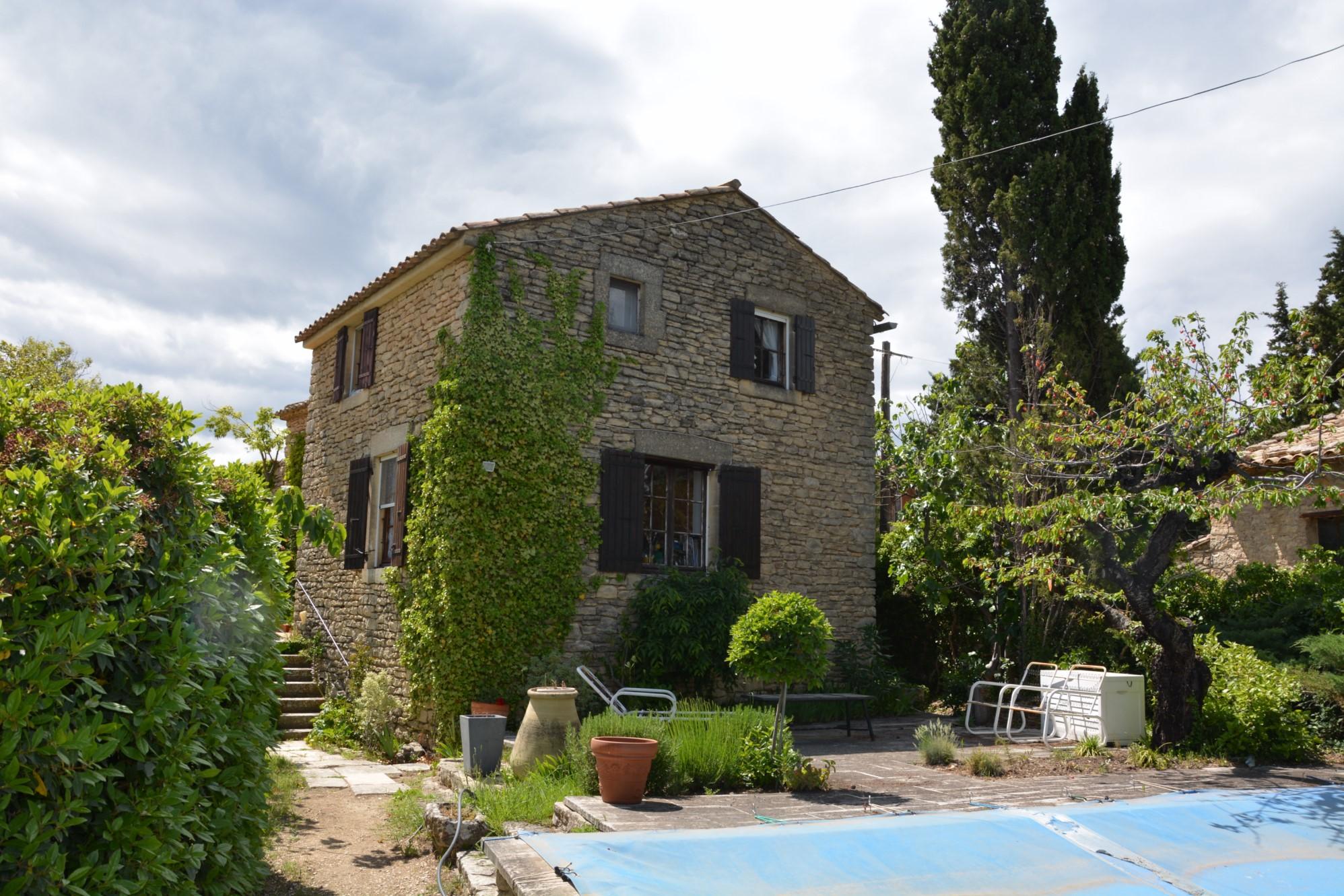 Maison en pierres à vendre à Gordes