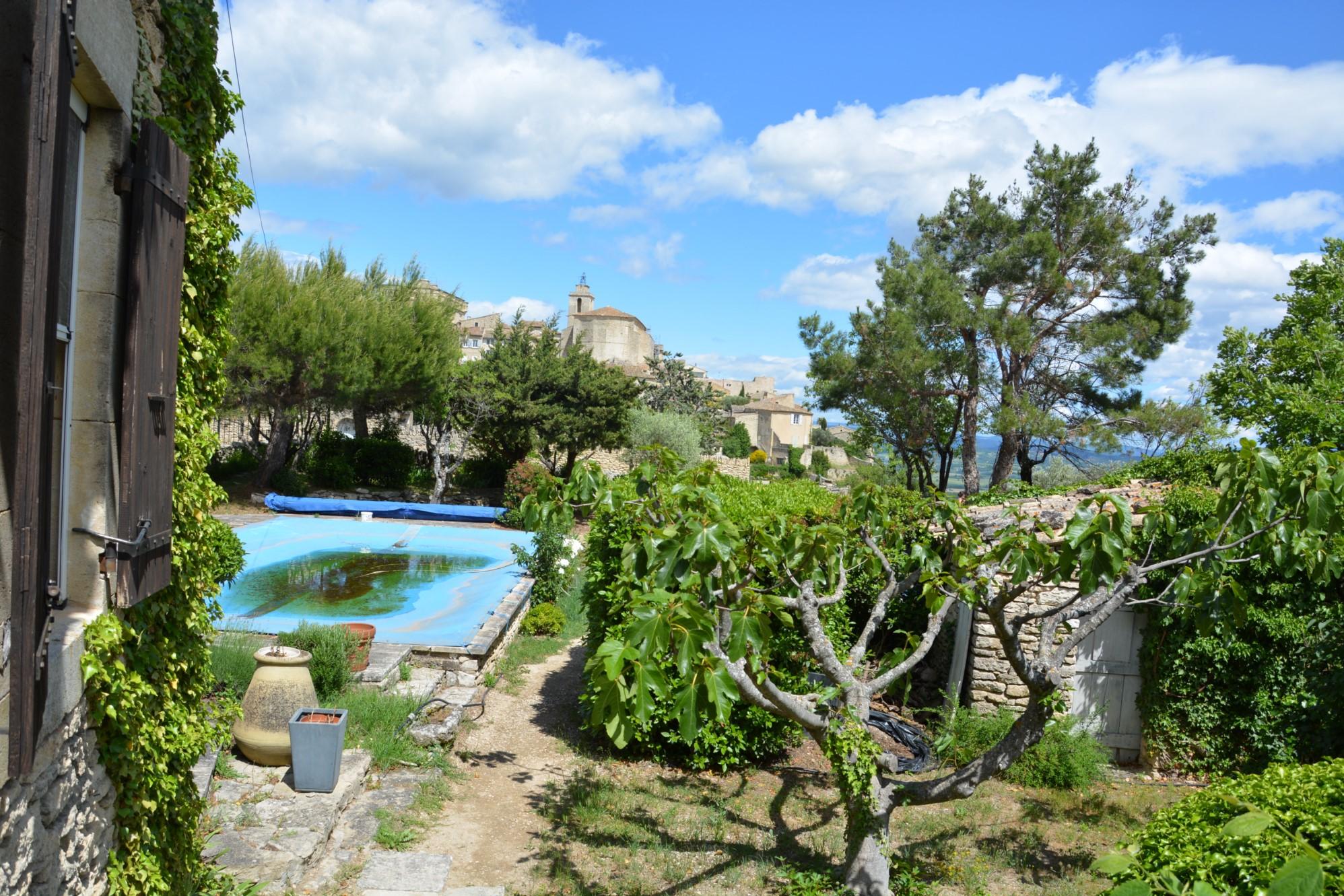 Maison avec vue sur le village de Gordes