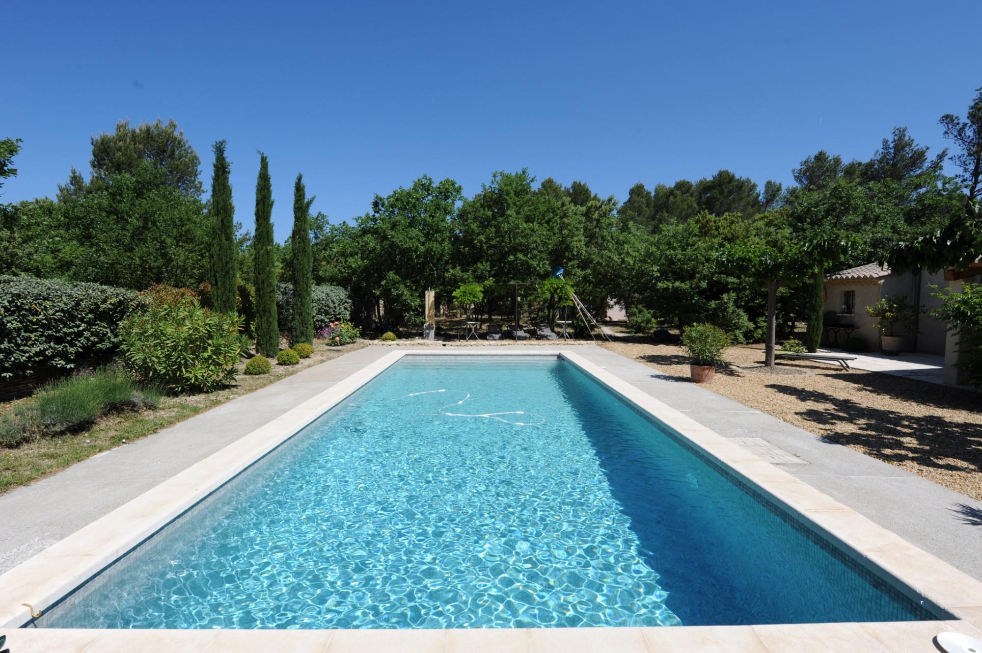 Belle piscine Luberon Provence