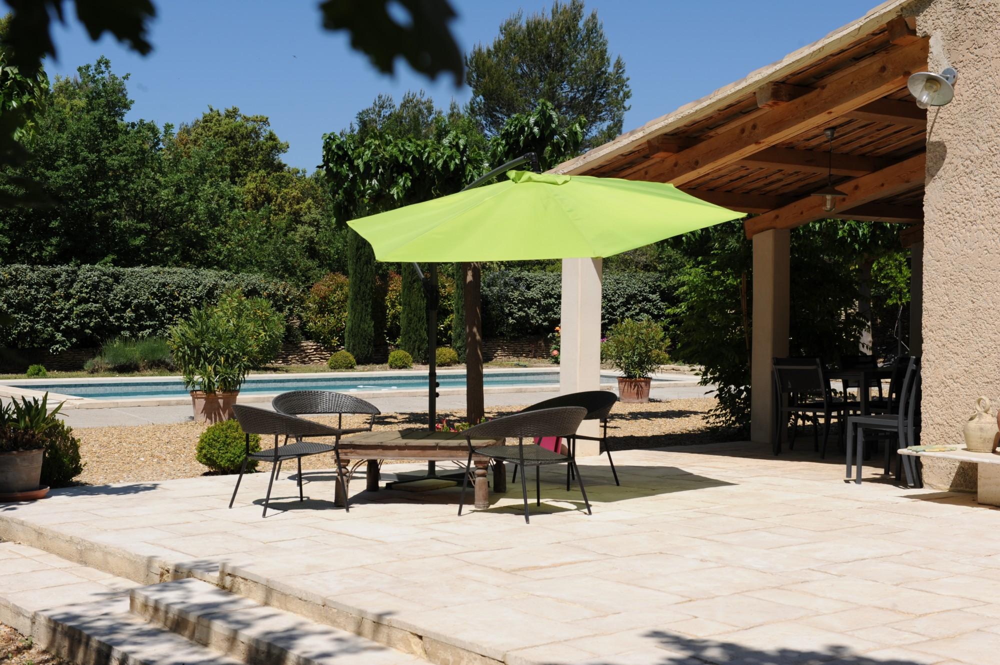 Maison avec piscine au coeur du Luberon  à vendre
