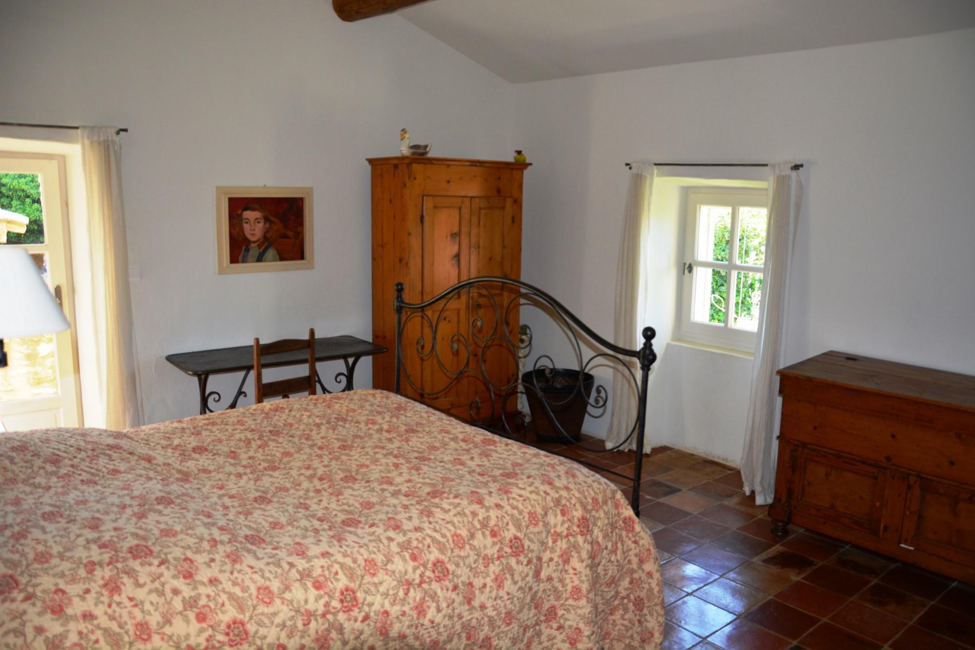 A Gordes, superbe mas du XVIII° siècle restauré sur plus de 2900 m² à vendre
