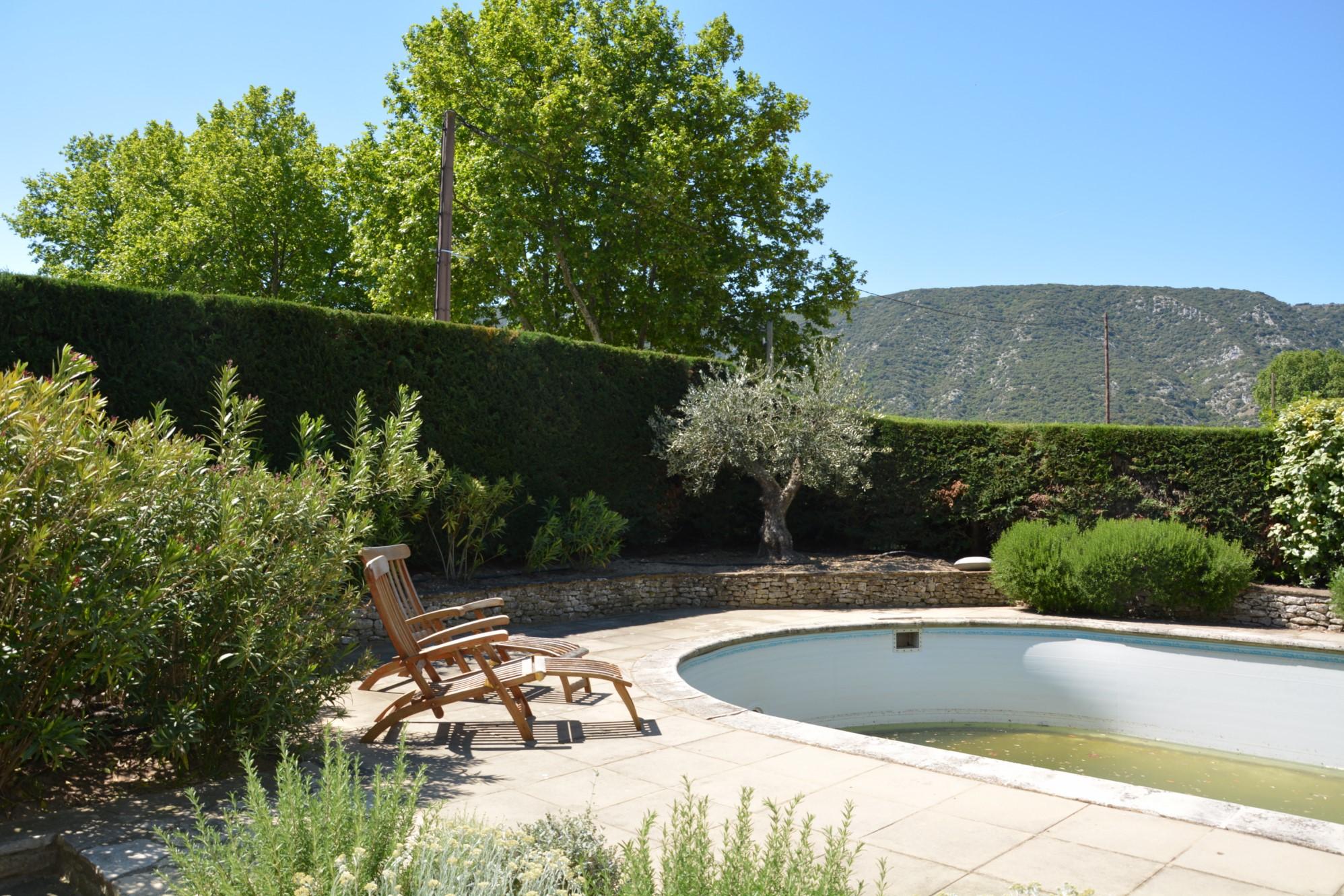 Portes du Luberon, superbe mas avec jardin de plus de 1000 m² à vendre
