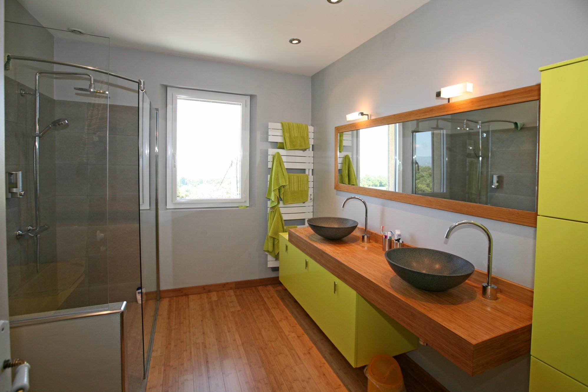 Propriété avec chambres d'hôtes en vente en Luberon, avec vues sublimes