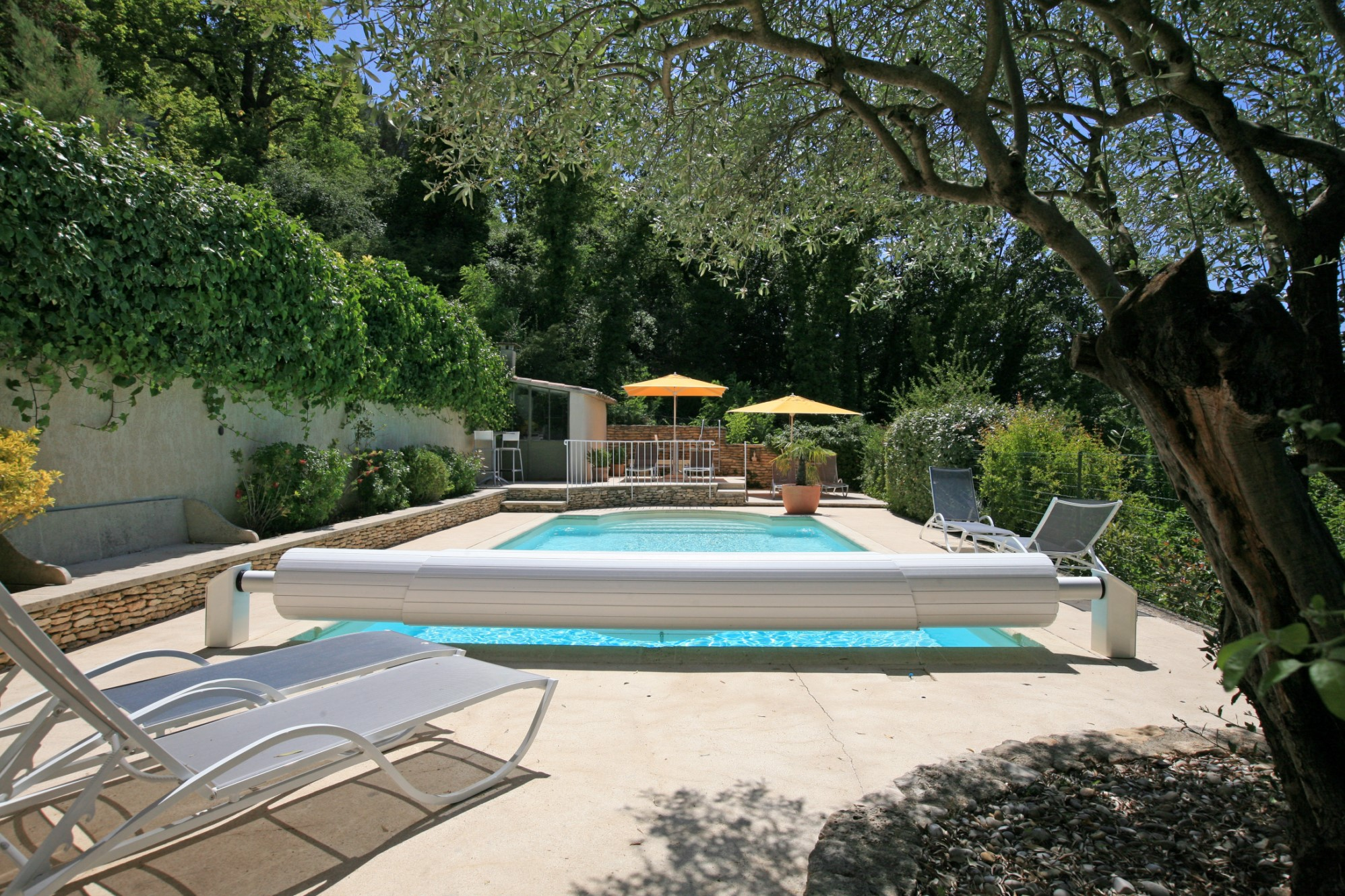 Property for sale with views in Luberon in Provence