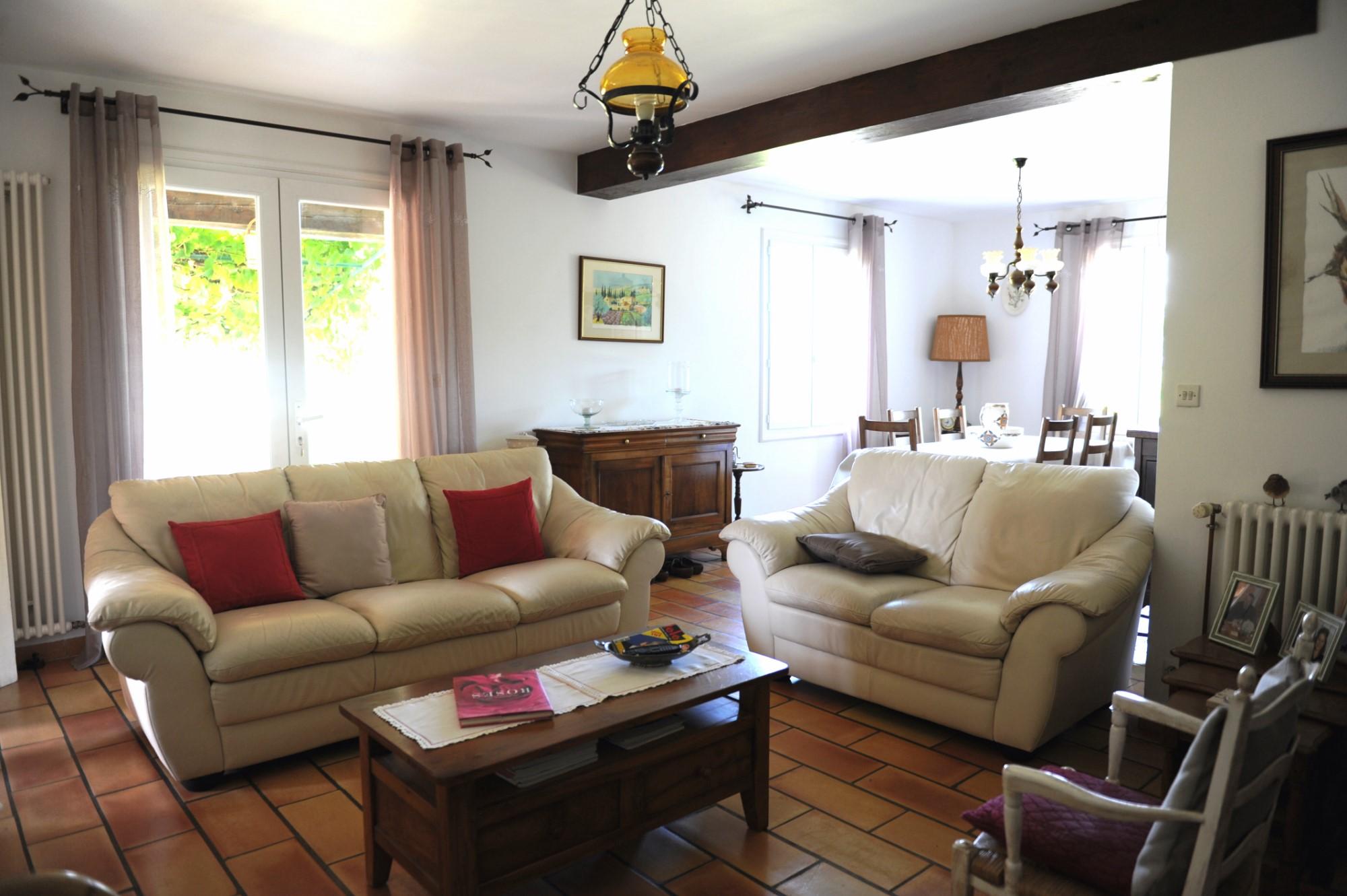 Villa de plain-pied avec vues superbes à vendre dans le Luberon