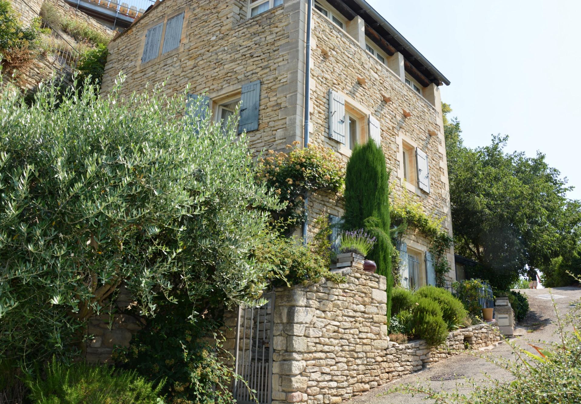 Maison de village avec vue à vendre à Gordes