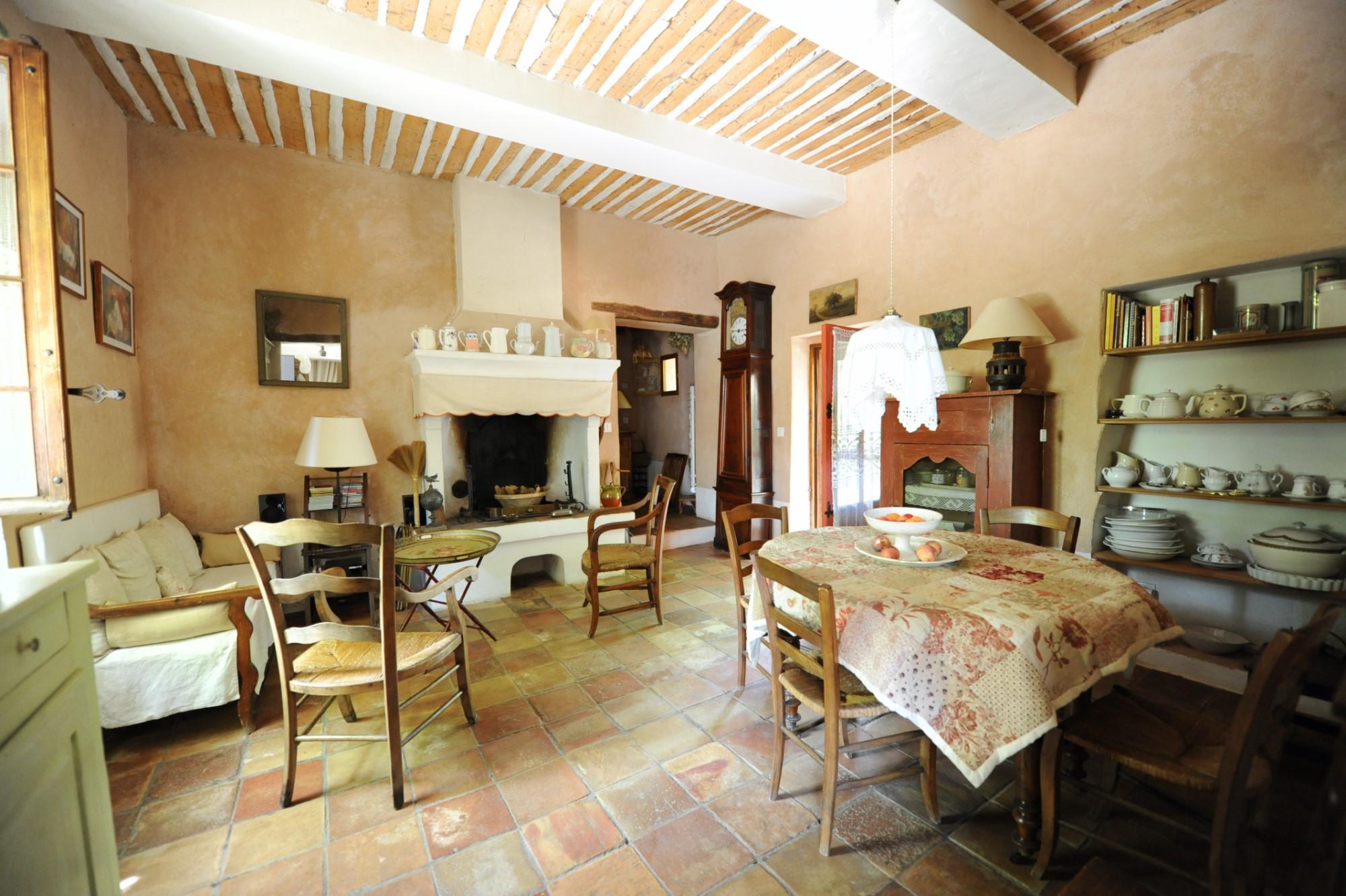 A vendre en Luberon, jolie maison de hameau avec grand jardin