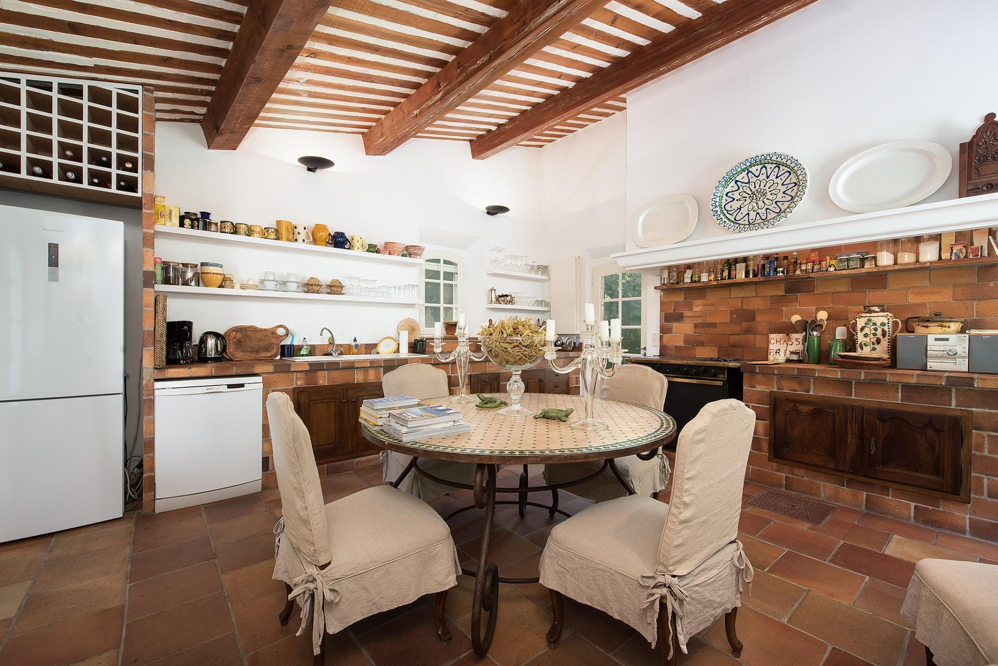 Belle maison de charme avec annexes à vendre à Gordes