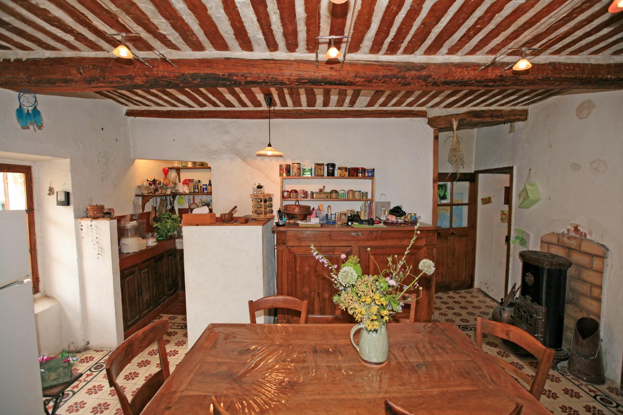 A vendre, maison au cœur d'un hameau proche de Gordes