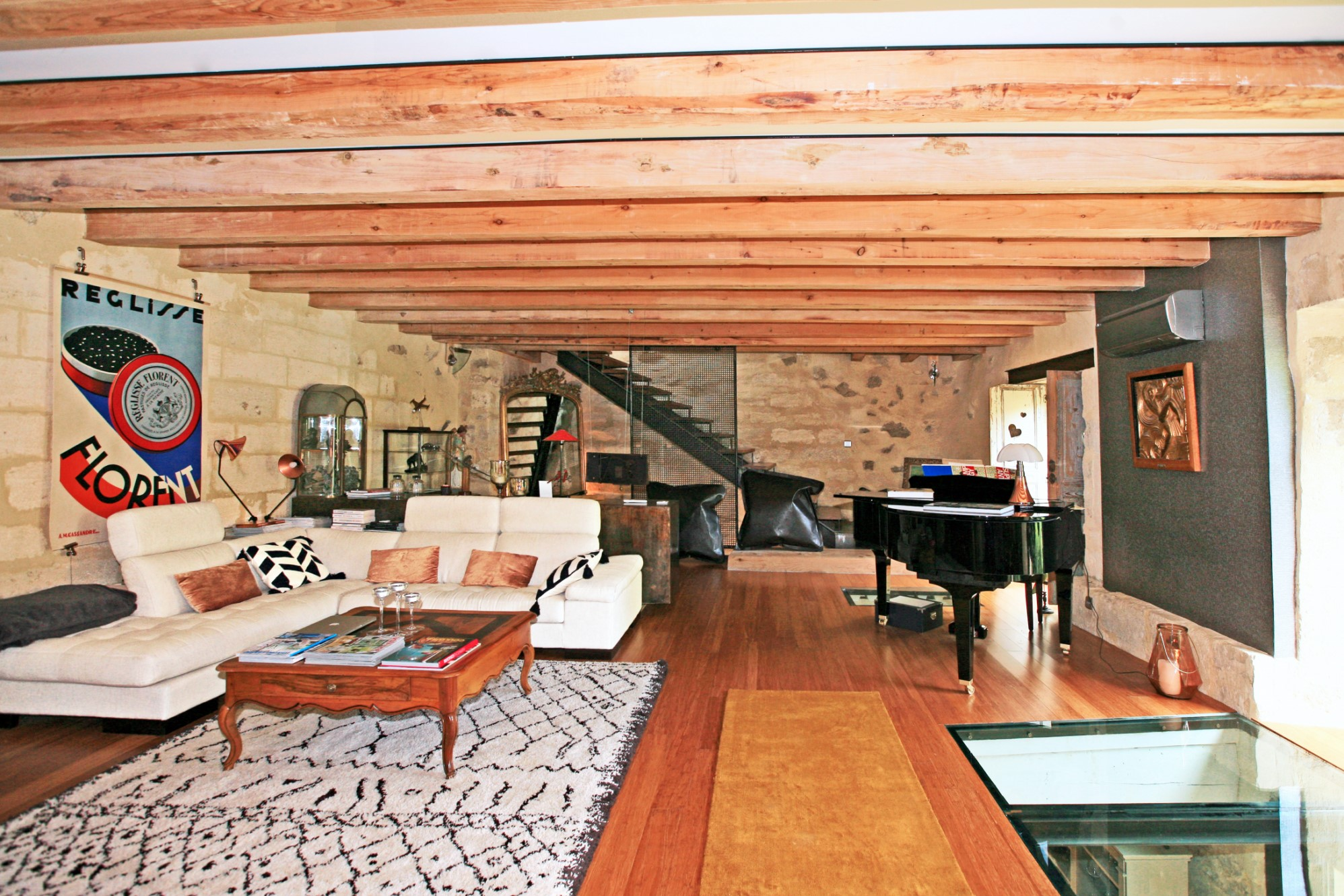 A vendre, proche Avignon, charmante maison de village avec cour arborée