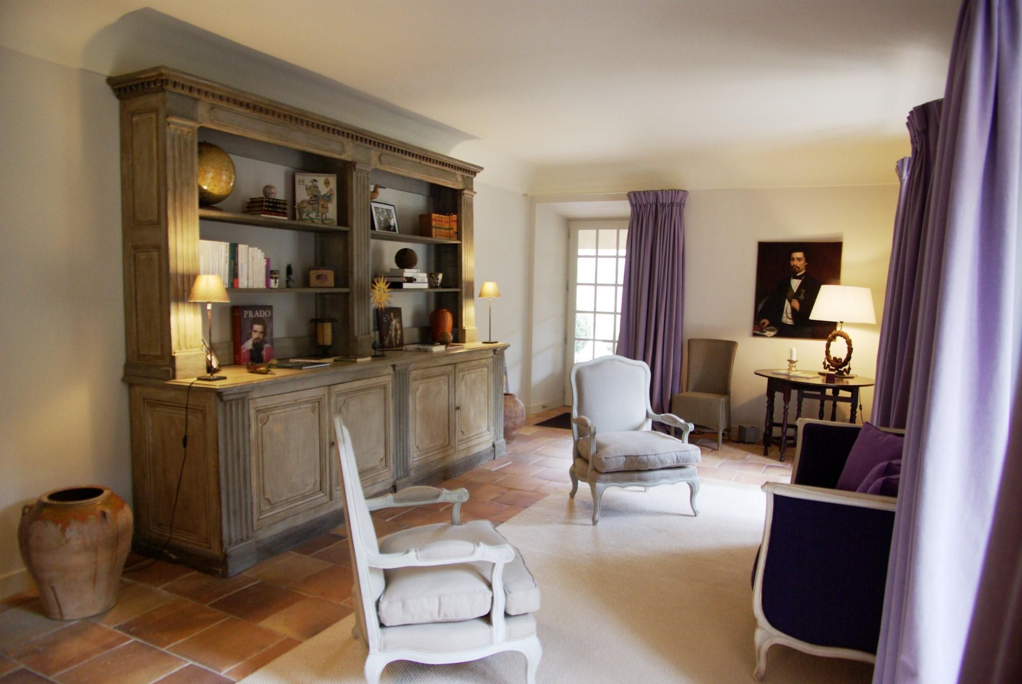 En Luberon, à vendre mas du XVIIIème siècle restauré sur terrain d'un hectare et demi