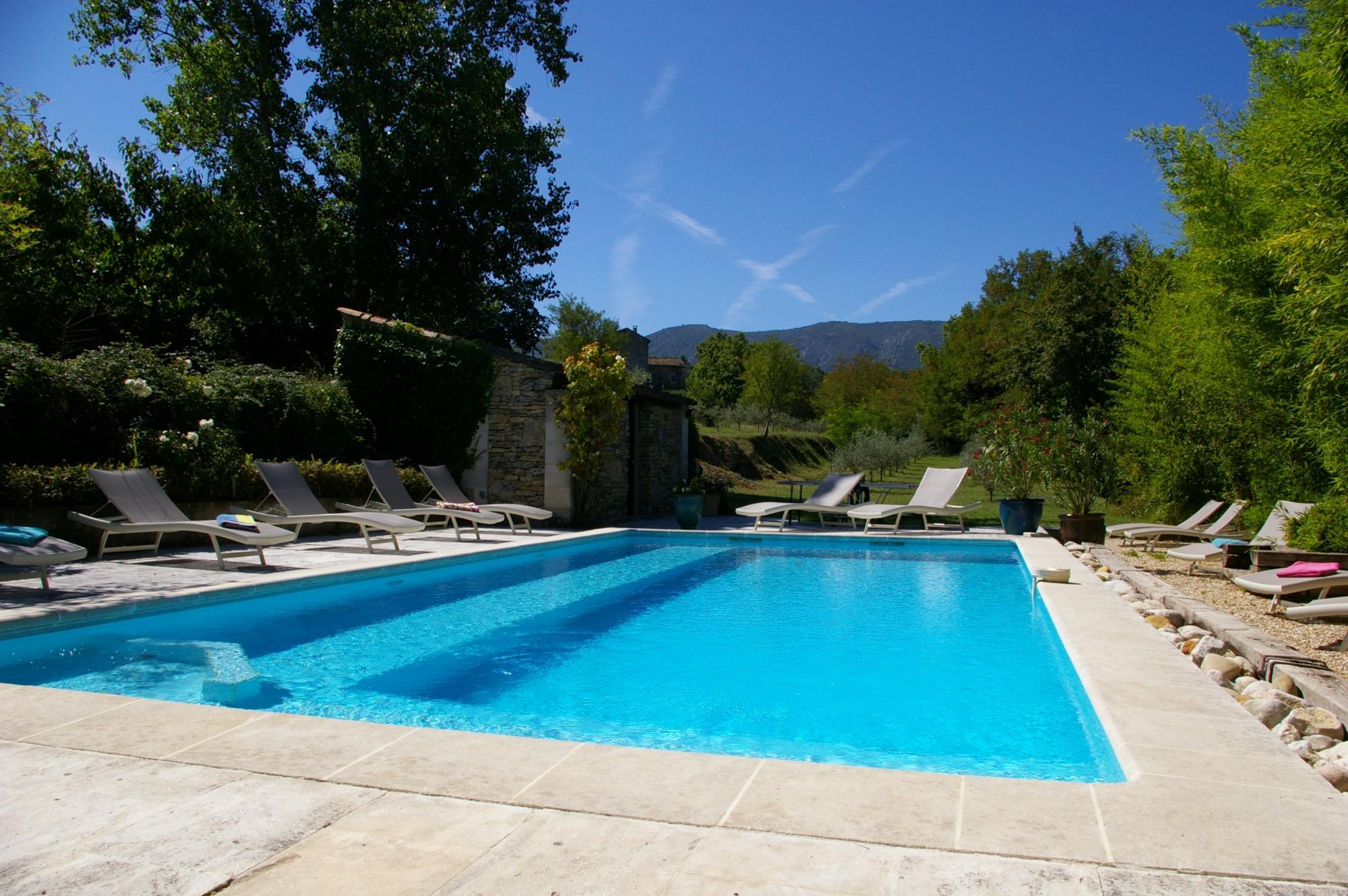 Propriété de charme avec piscine à vendre dans le Luberon