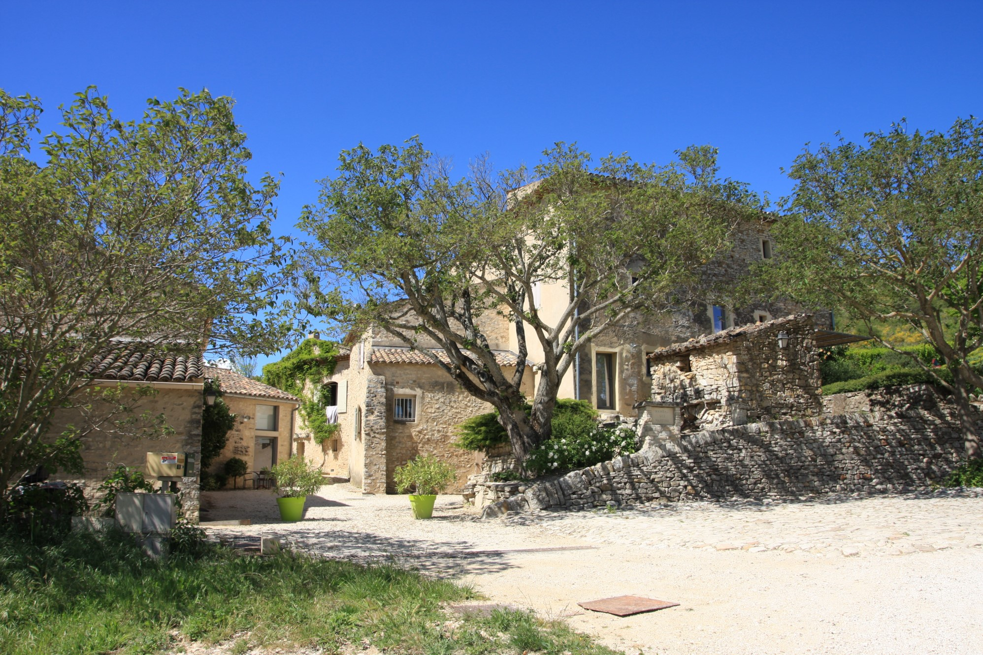Private hamlet for sale in Luberon