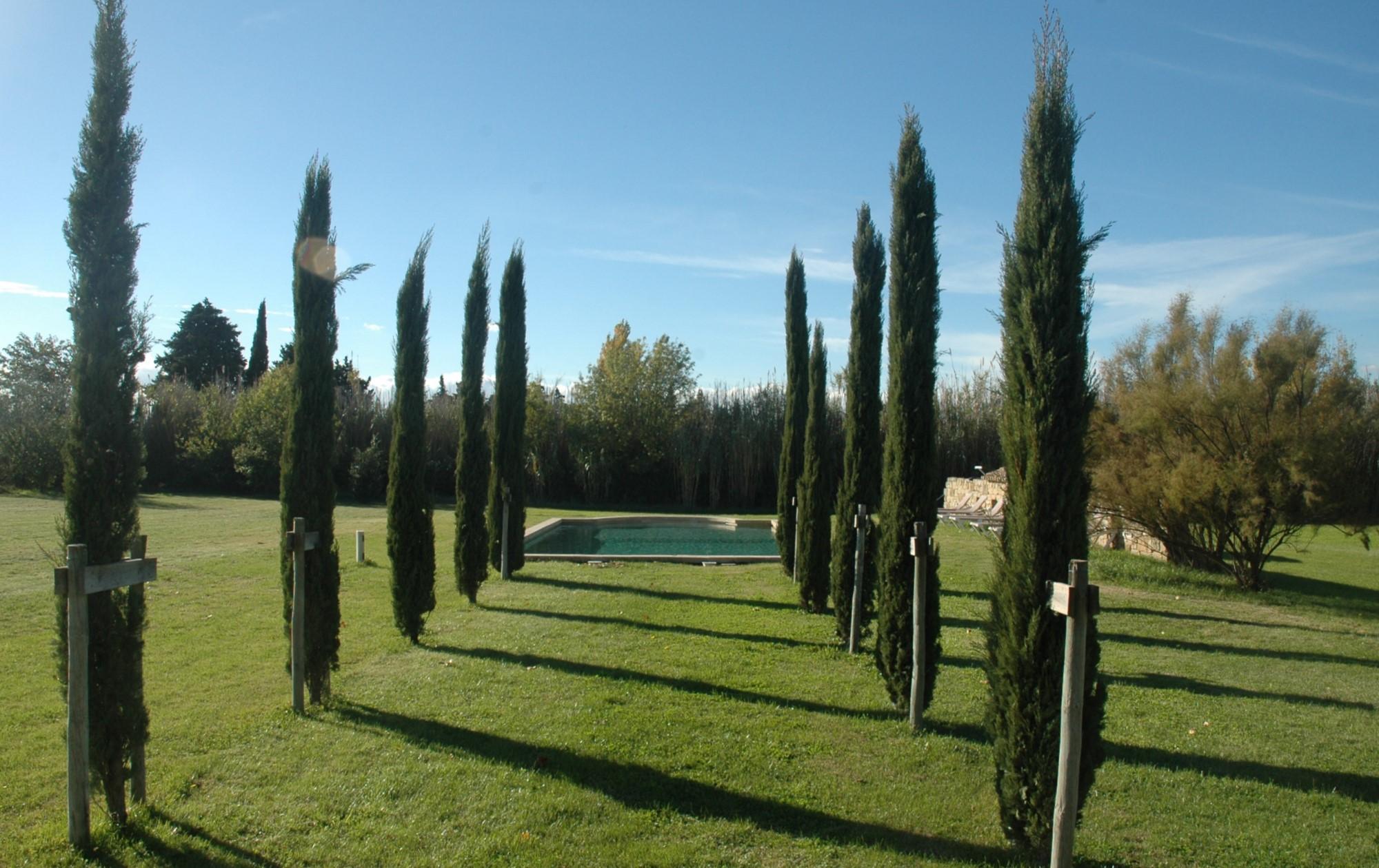 Mas restauré avec piscine à vendre en campagne dans le Luberon