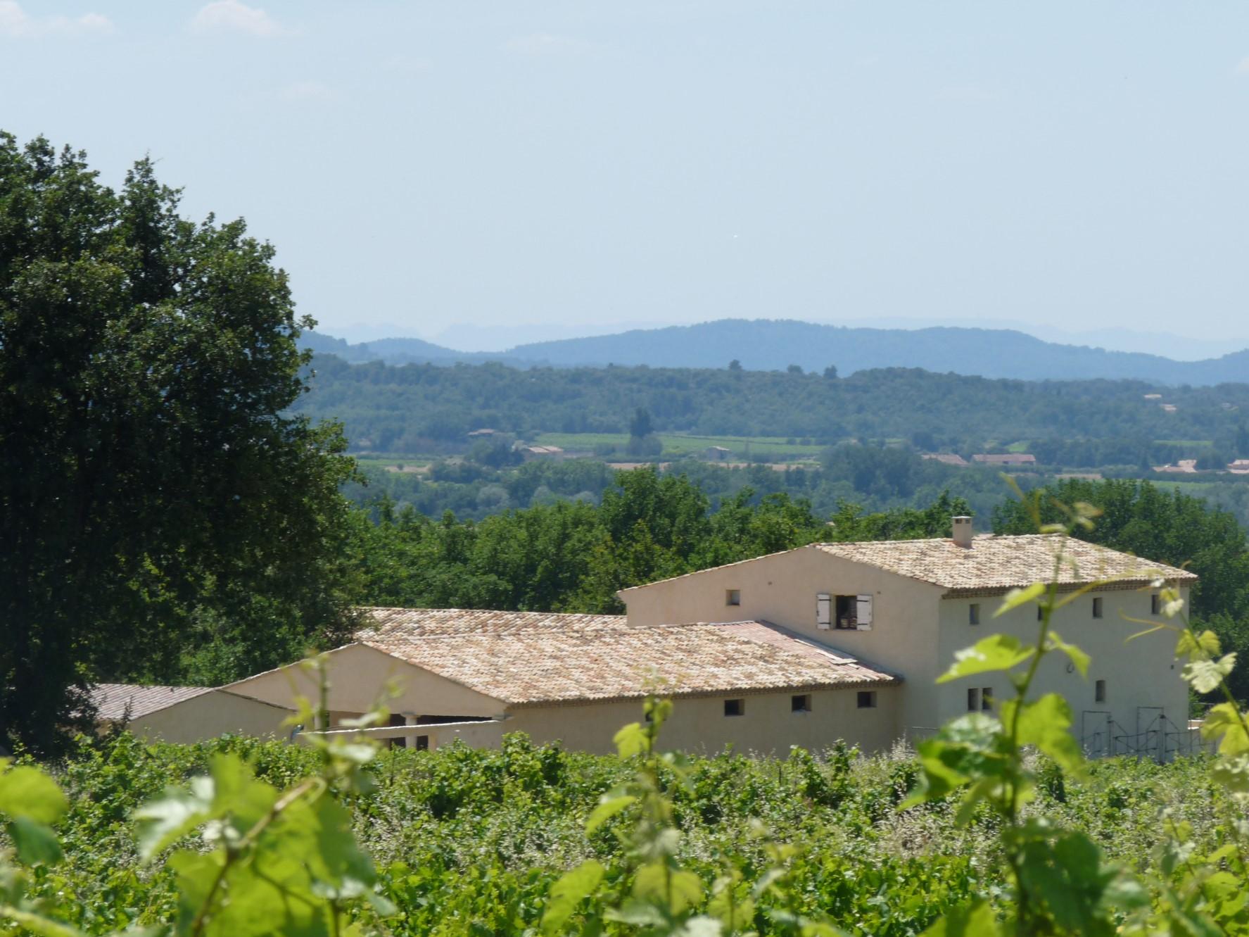 Domaine équestre sur plusieurs hectares avec vue à vendre entre Luberon et Mont Ventoux