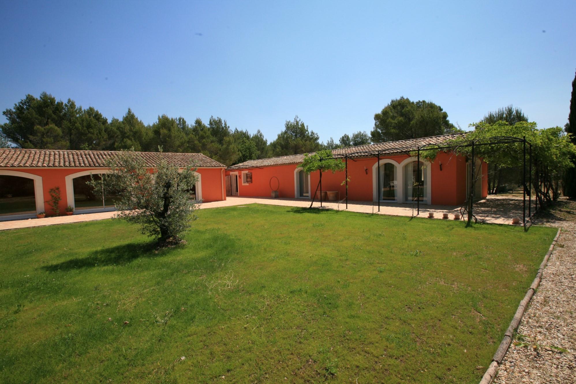 Proche Gordes et Roussillon, maison à vendre par l'Agence ROSIER