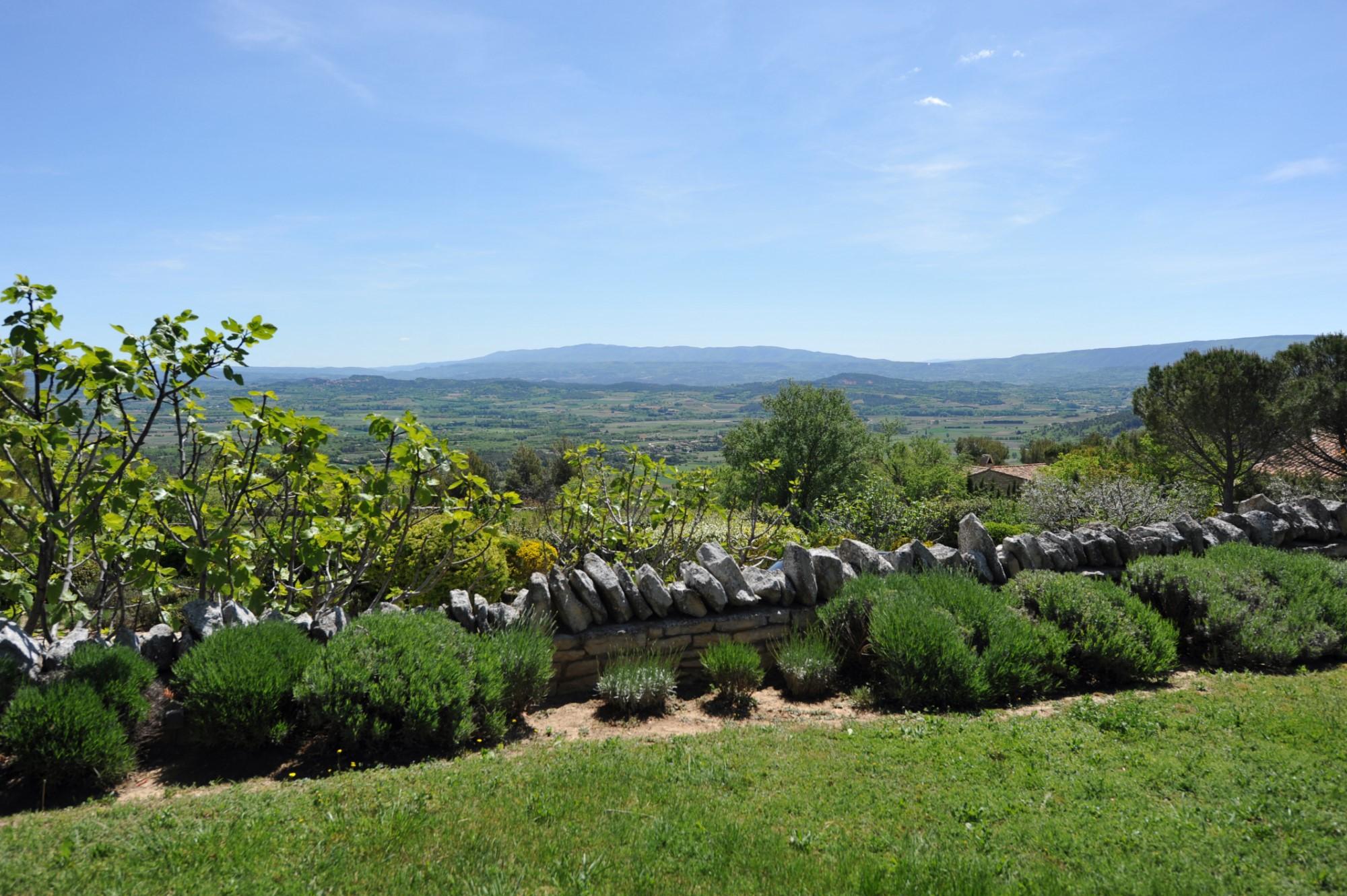 Bastide rénovée avec vue à vendre en Provence