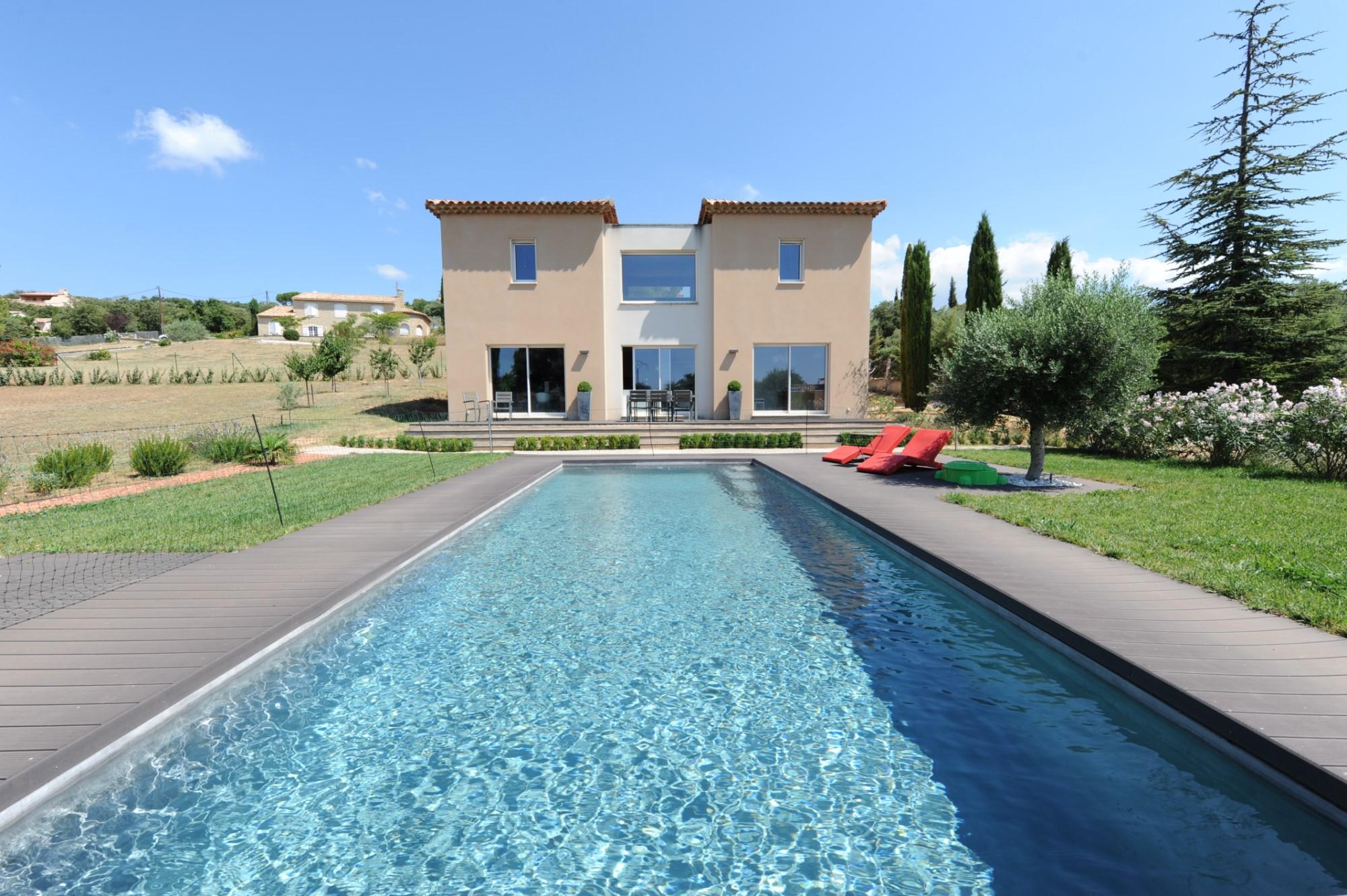 Maison contemporaine à vendre dans le Luberon