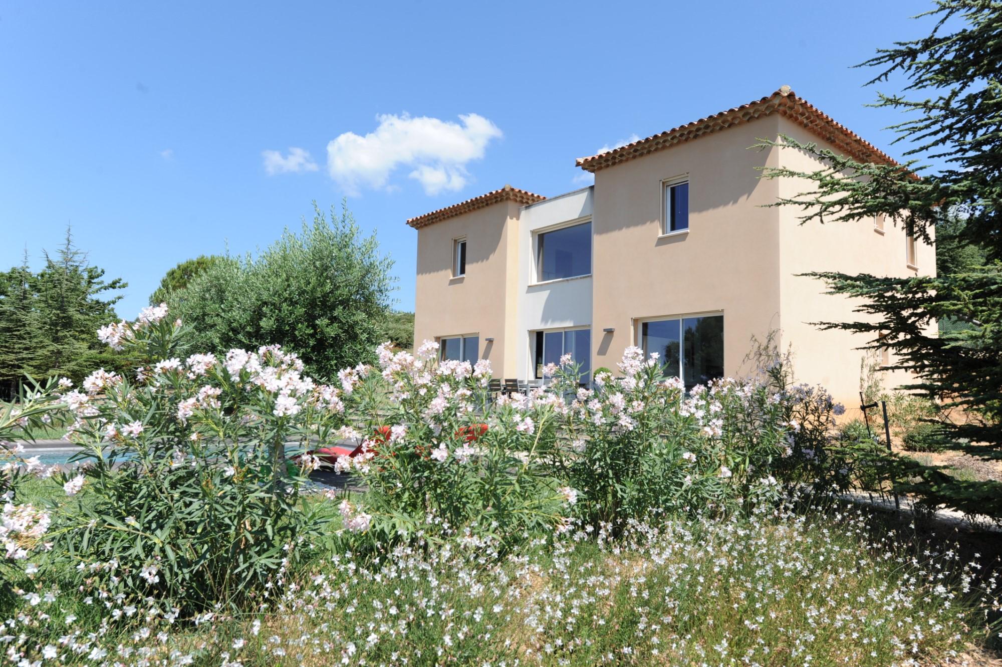 Maison contemporaine à vendre dans le Luberon en Provence
