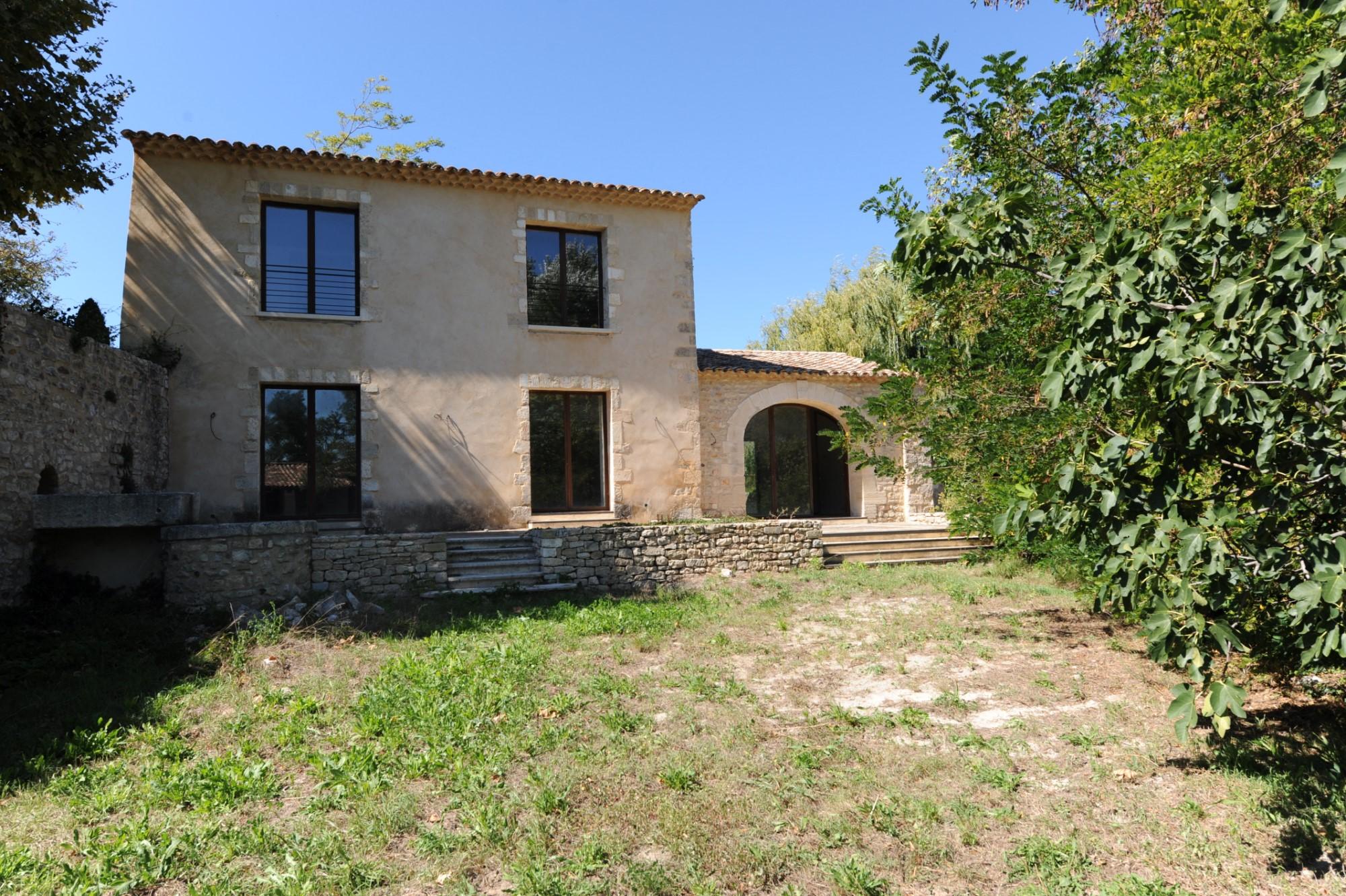 Propriété à rénover dans le Luberon en Provence
