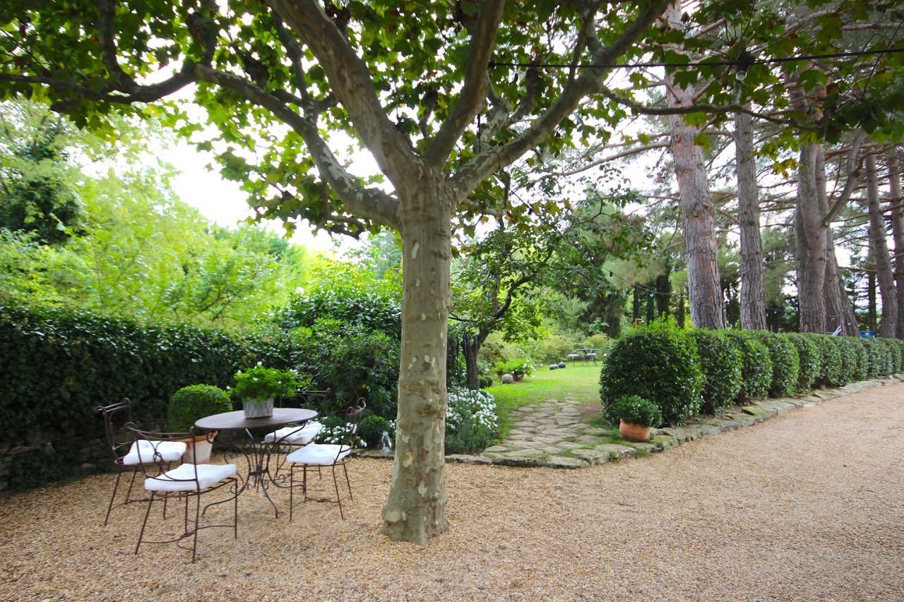 Chambre d'hôtes, au charme provencal dans un environnement calme et préservé à Gordes