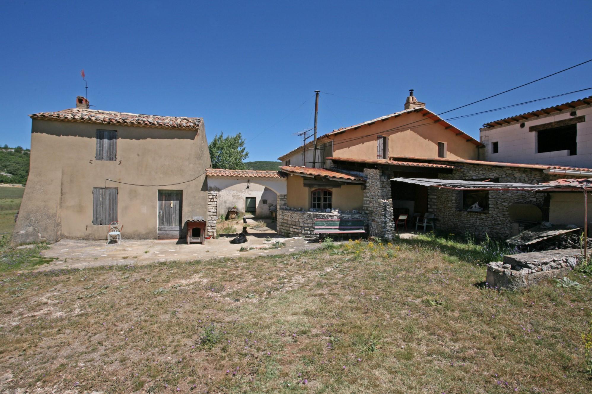Propriété à restaurer dans le Luberon en Provence