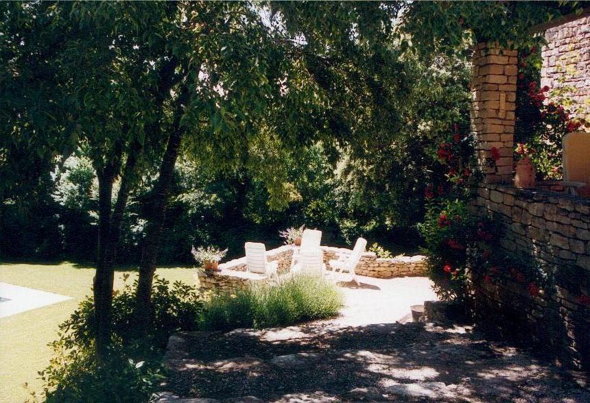 Maison en pierres avec terrace à vendre en Luberon