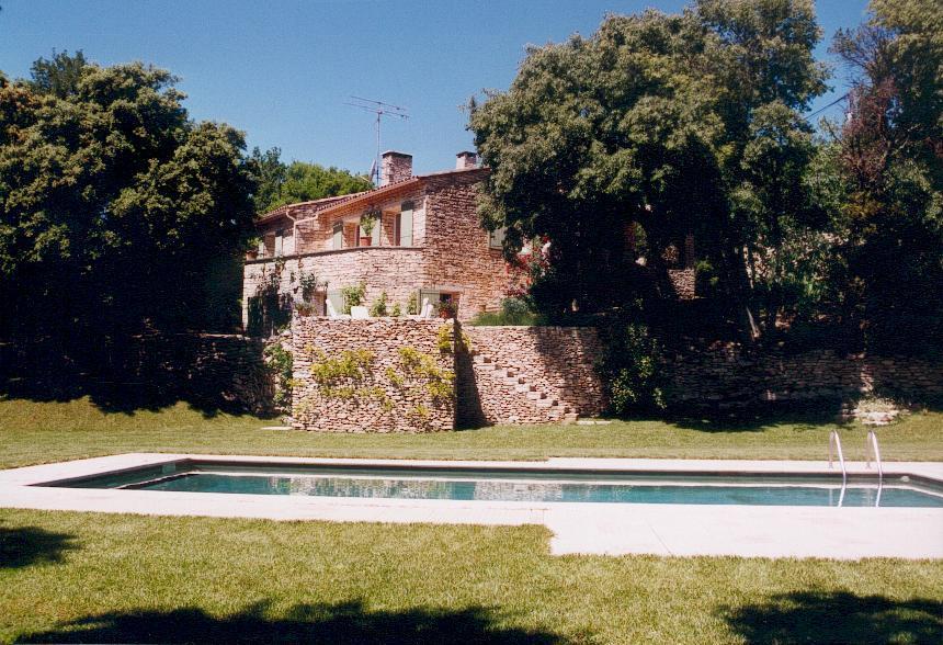Maison en pierre avec piscine à vendre par ROSIER