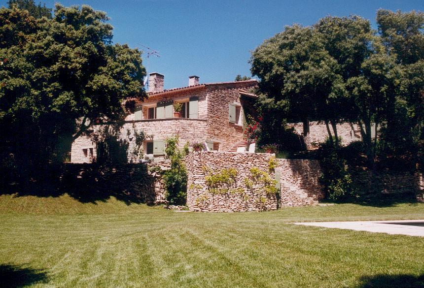 Maison en pierres à vendre en Luberon