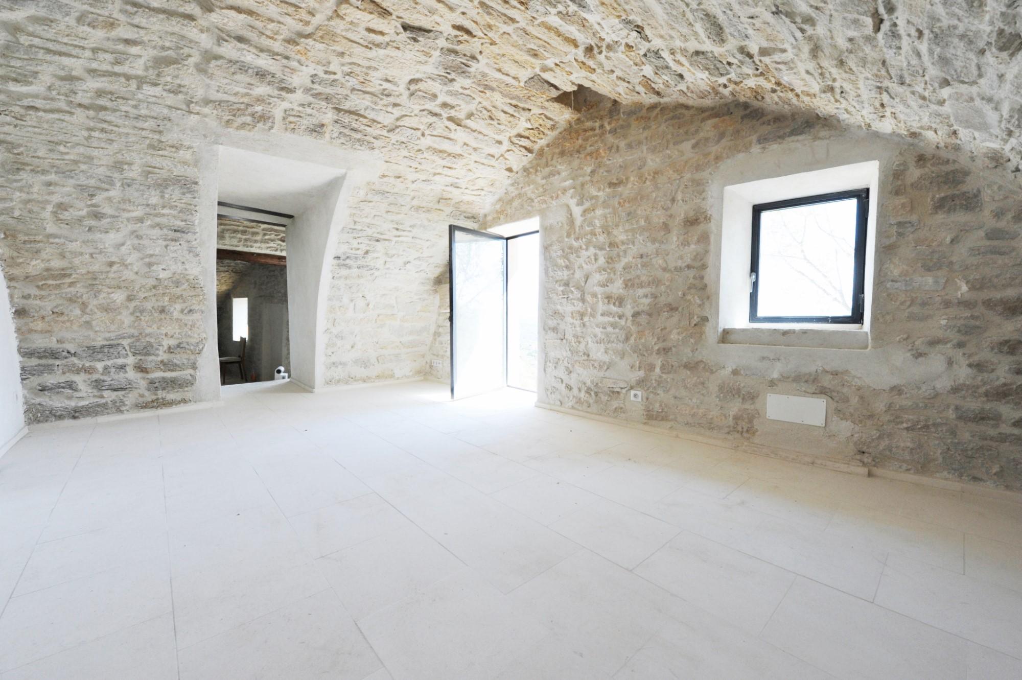 Ventes provence gordes vendre maison r nov e avec une for Acheter une maison en belgique