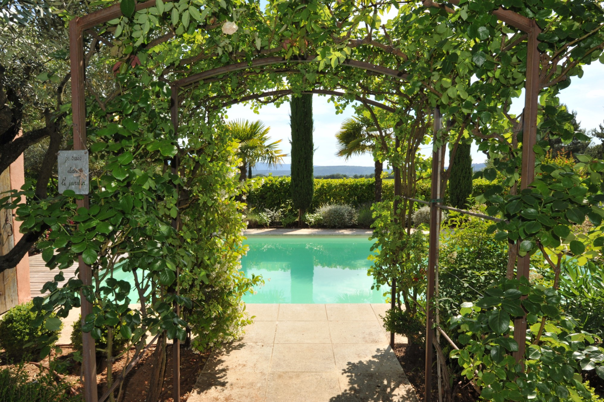Property with pool and views for sale in Luberon