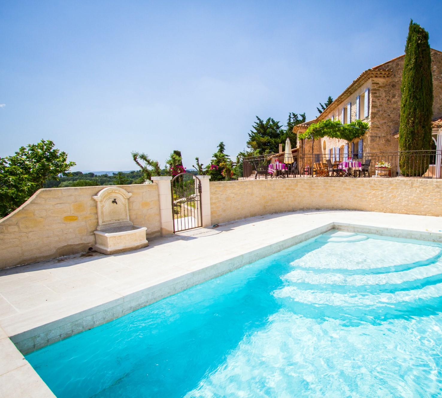 Belle maison avec piscine à vendre par ROSIER