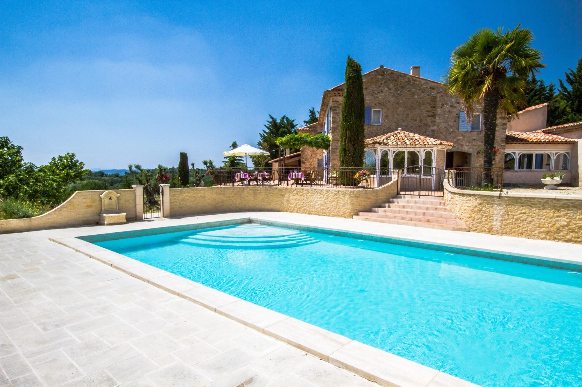Bastide avec piscine à vendre dans le Luberon