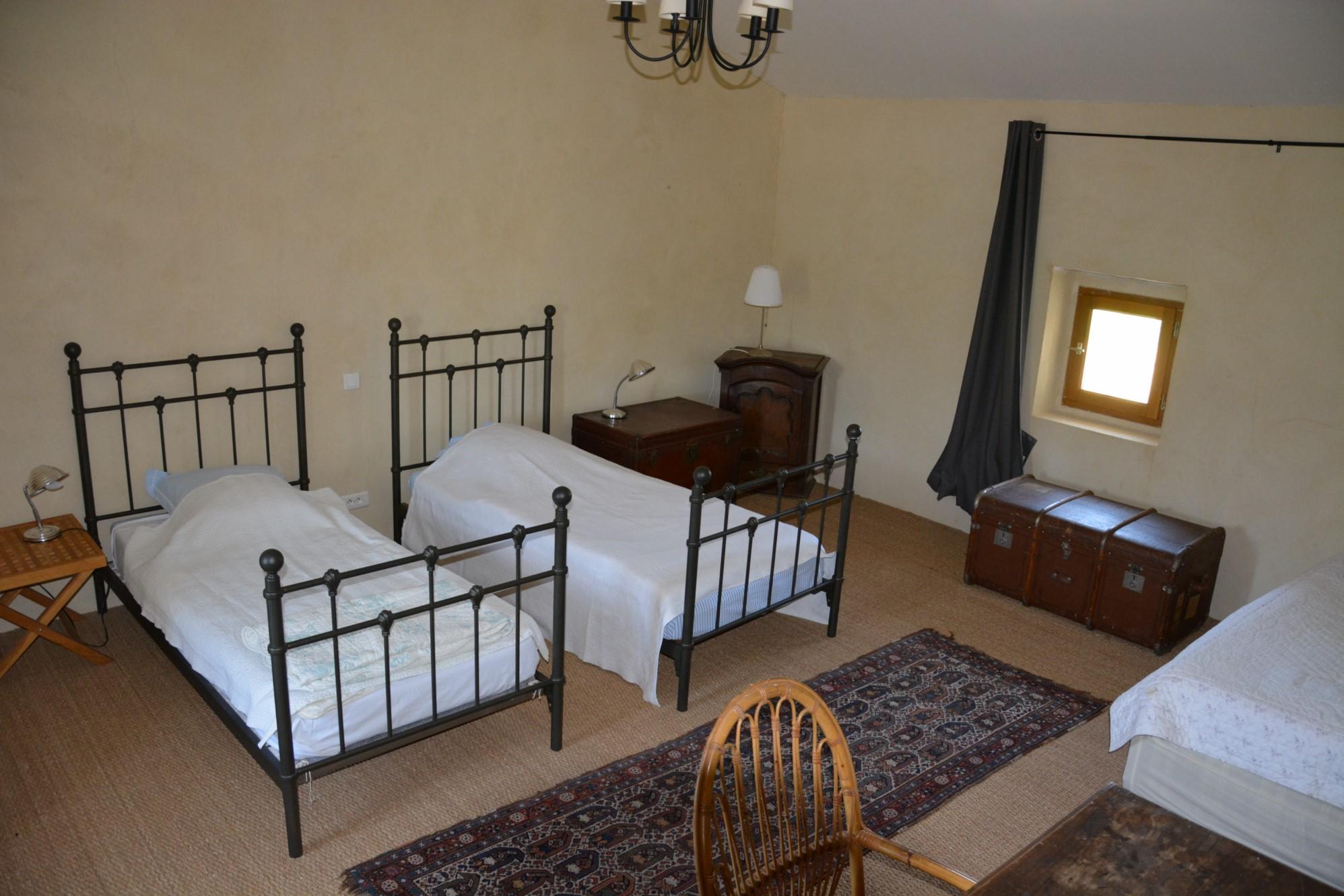A proximité des plus beaux villages du Luberon, authentique mas provençal
