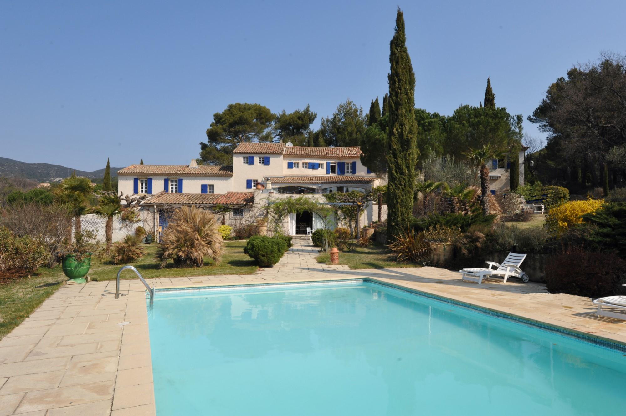 Mas avec piscine à vendre dans le sud du Luberon