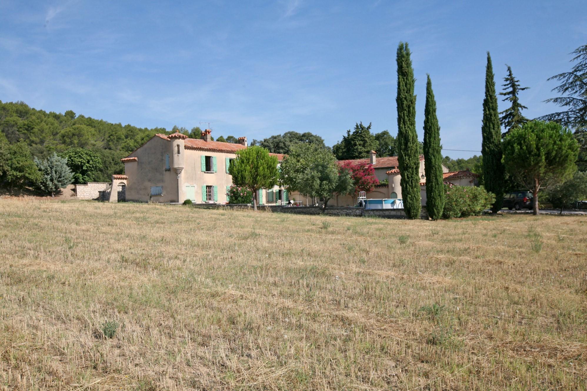 Superbe propriété en Provence à vendre par ROSIER