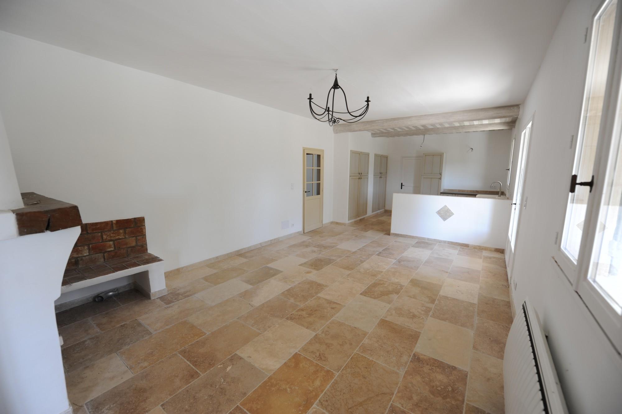 A vendre en Luberon, villa avec piscine et vue