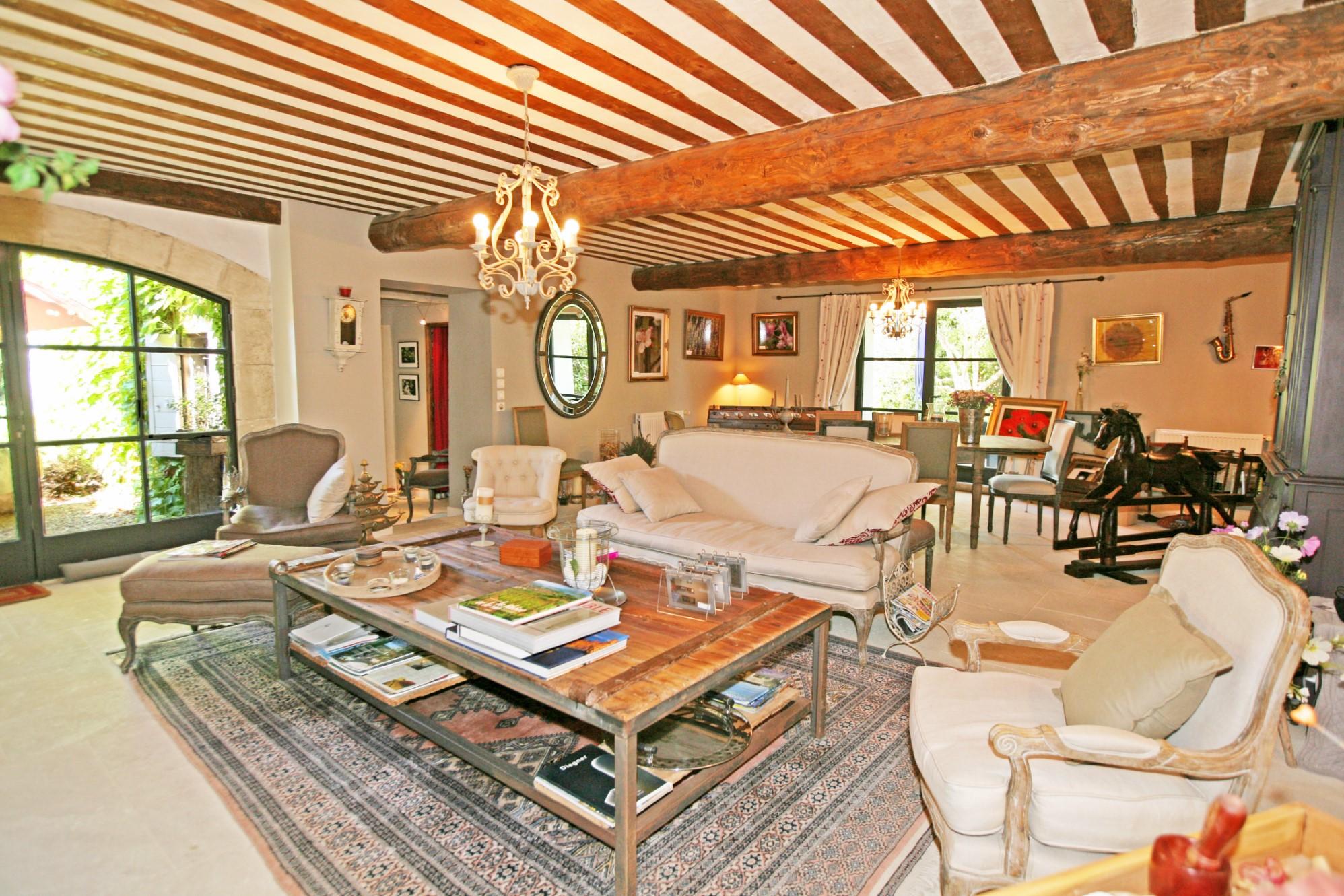 Maison à vendre en Luberon par ROSIER